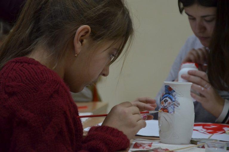 У Чорткові відбувся майстер-клас «Різдвяний підсвічник»