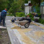 Комунальні служби продовжують працювати над покращенням благоустрою міста та громади (фоторепортаж)