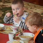 В дитячих садочках Чорткова оновлюють меню: що тепер їстимуть маленькі чортків'яни