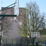 Спортивний майданчик у мікрорайоні «Кадуб» чи не щодня потерпає від рук вандалів